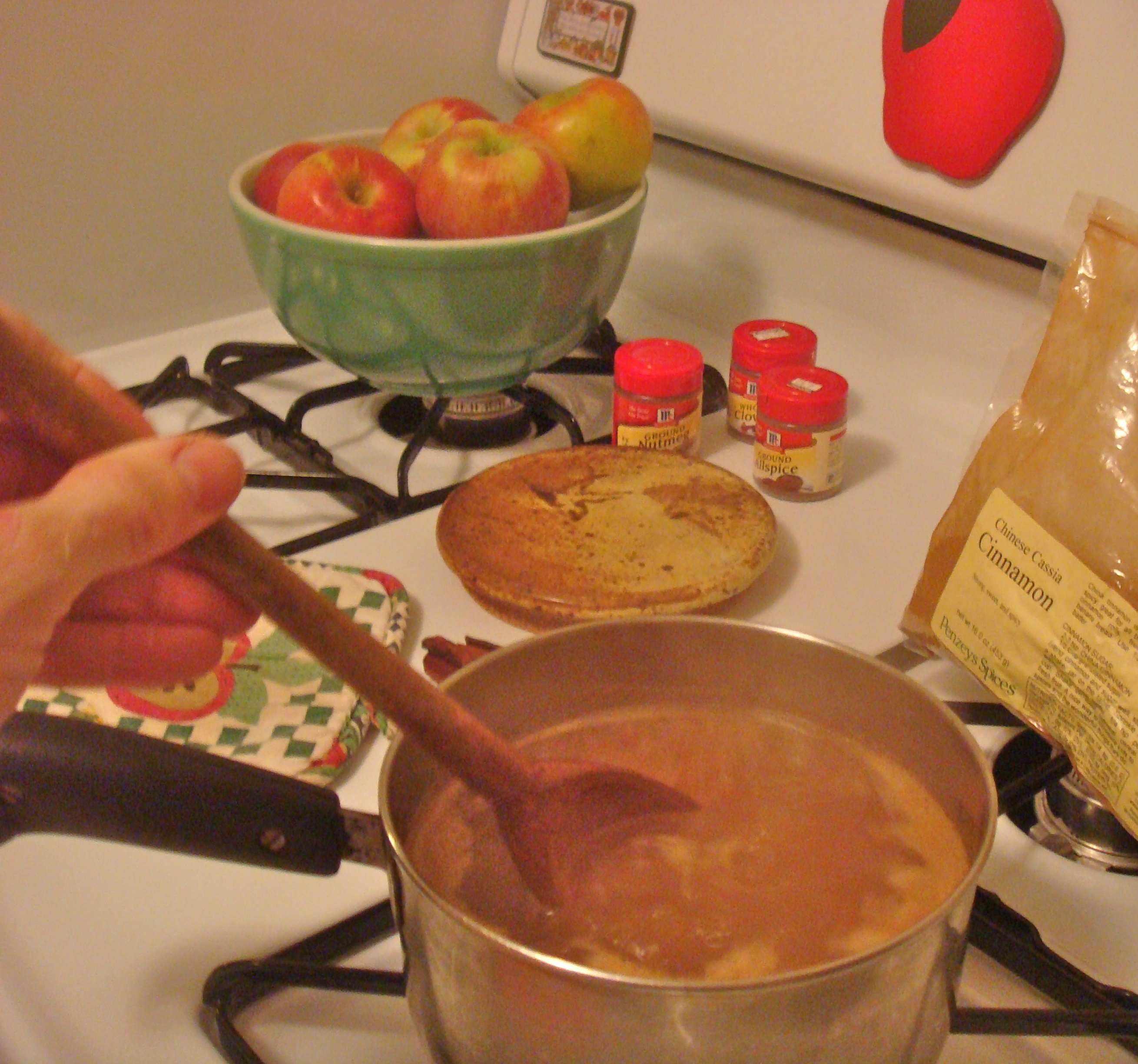 Hot mulled cider simmers on the stove. (Bar Lois Weeks photo)