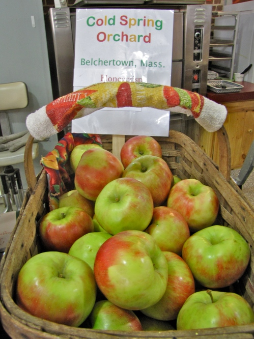 "Honeycrisp apples from Cold Spring Orchard In Belchertown, Massachusetts, on display at the New England Apple Association booth in the Massachusetts Building at the Eastern States Exposition (the ""Big E"") in West Springfield, daily from 10 a.m. to 9 p.m. through Sunday, September 30. (Bar Lois Weeks photo)"